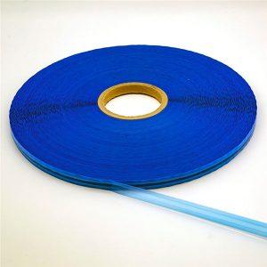 Plastiktüte, die wiederverschließbares Dichtungsband verpackt